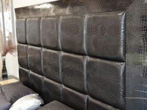 Обивка стен тканью и кожей