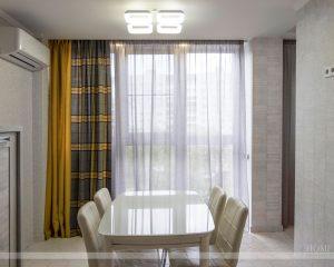 стильные шторы в кухню