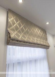 римская штора в спальню